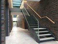 Stahltreppe Glasköcher Ghp Verklebt Ganzglasgeländer Holzhandlauf